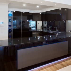 Black gloss kitchen renovation